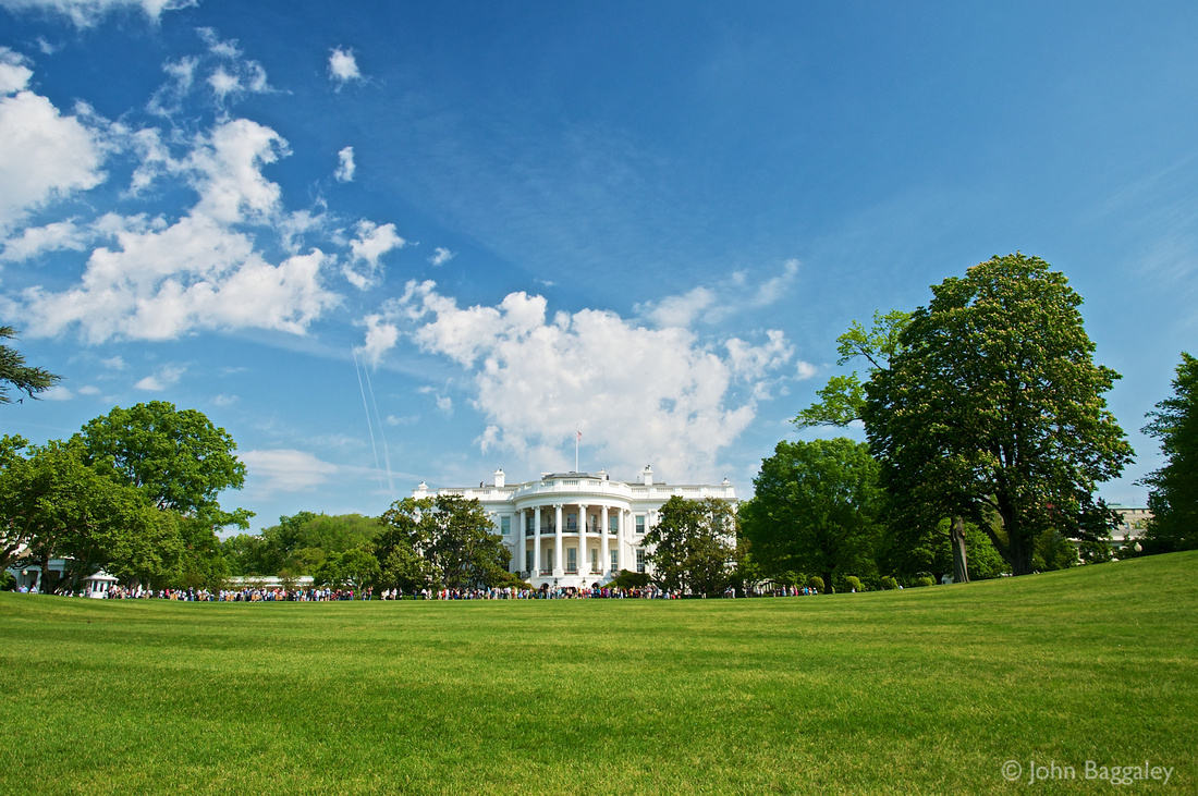 The White House on a beautiful spring day.