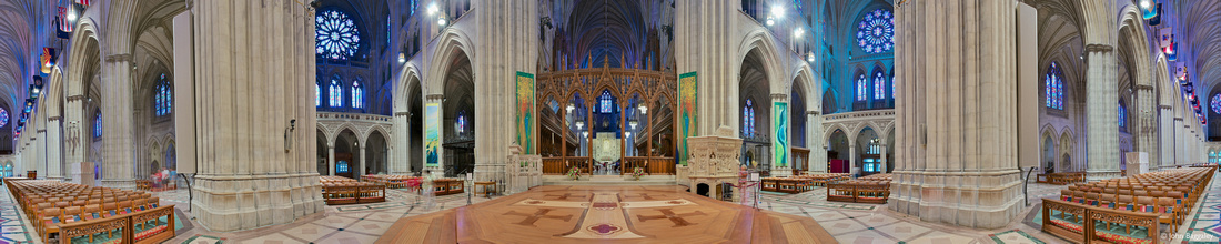 Panorama of the interior of the Wshington National Cathedral, featuring the crossing.