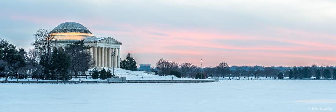 Snowy sunset on the Jefferson Memorial