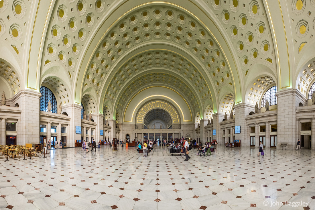 Union Station, Before Rush Hour