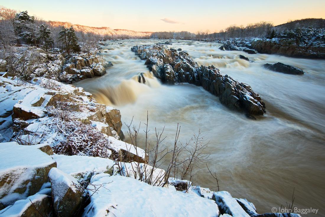 Dawn on a snowy Great Falls