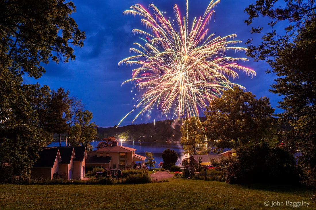 Fireworks explode over Lake Wesauking