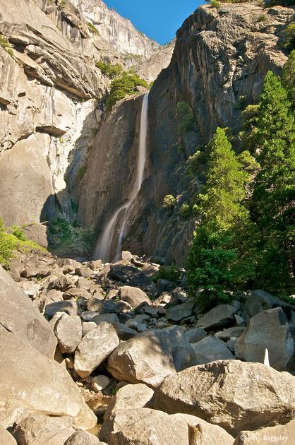 Lower Yosemite Falls (vertical)